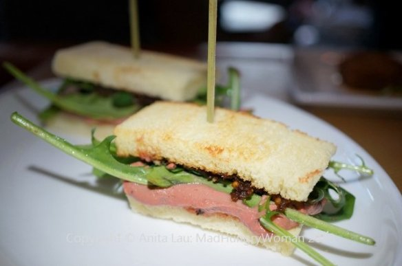 chicken liver sandwiches (640x425)