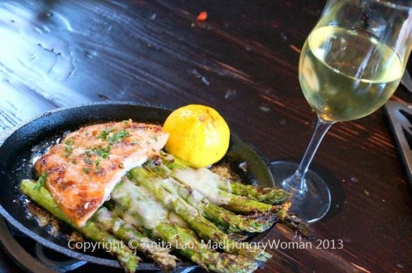 salmon and wine (640x425)