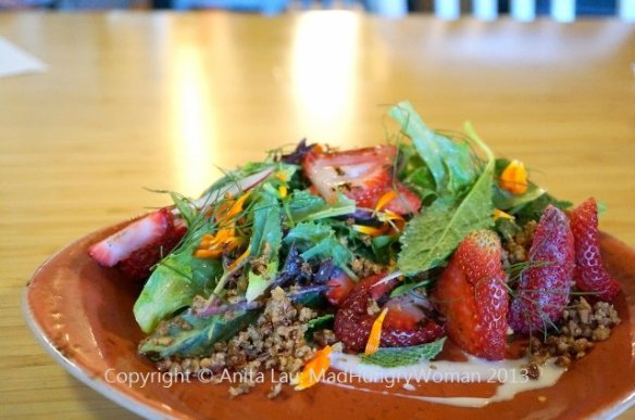 strawberry salad (640x425)