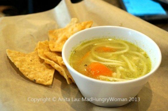 chicken noodle soup (640x425) (640x425)