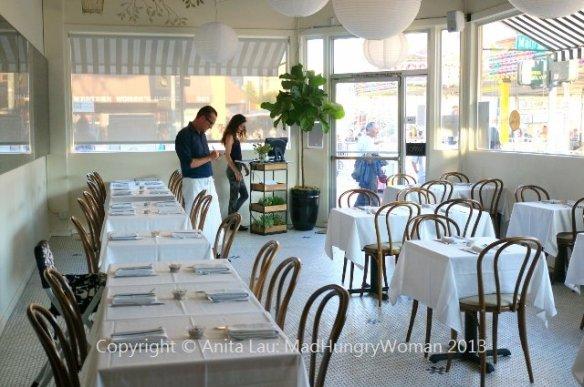 dining room (640x425)