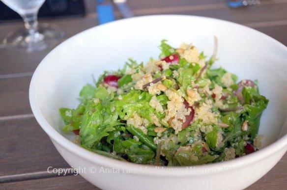 kale quinoa salad (640x425)