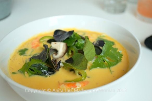thai coconut soup (640x425)
