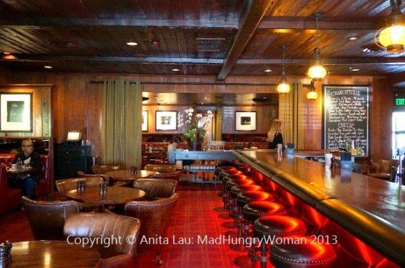 A restaurant (640x425)
