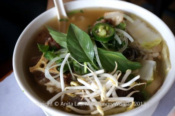 oxtail pho (640x425)