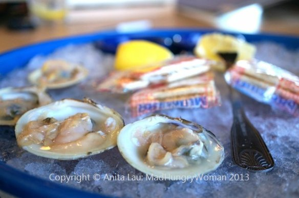 raw littleneck clams (640x425)